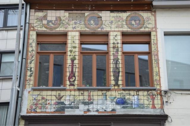 Unieke gevel van voormalige Gentse porseleinwinkel wordt gerestaureerd