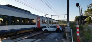 Auto aangereden op overweg: treinverkeer tussen Oudenaarde en Zottegem onderbroken