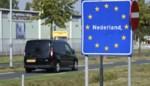 """Grensburgemeesters doen gezamenlijke oproep: """"Steek de grens niet over om te shoppen"""""""
