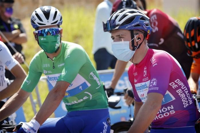 """Remco Evenepoel begint vol vertrouwen aan slotetappe in Ronde van Burgos: """"Als het kan, dan val ik zelf aan"""""""