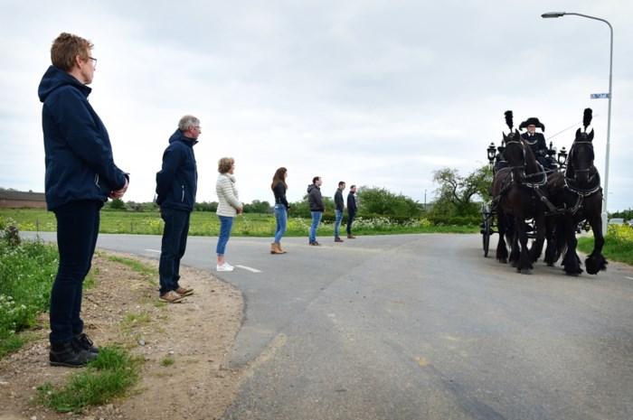 Waarom 'nuchter volkje' Nederland amper kritiek heeft op corona-aanpak ondanks stijgende cijfers én telfout
