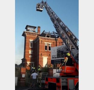 Zware brand legt leegstaande Villa Maria in de as
