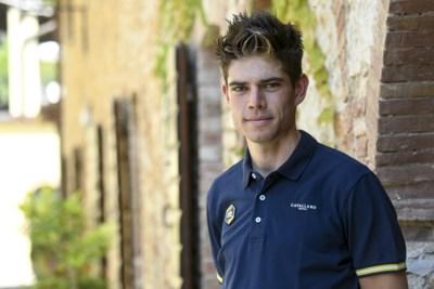 """Wout Van Aert koerst opnieuw zonder enige angst vlak voor Strade Bianche: """"Ik voel me even goed als voor de val"""""""