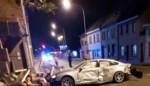 Jonge bestuurder richt ravage aan: vijf auto's en garage vernield