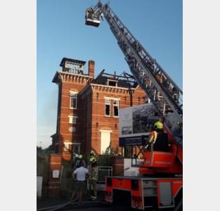 Zware brand legt leegstaand herenhuis in de as: drie verdachten opgepakt voor brandstichting