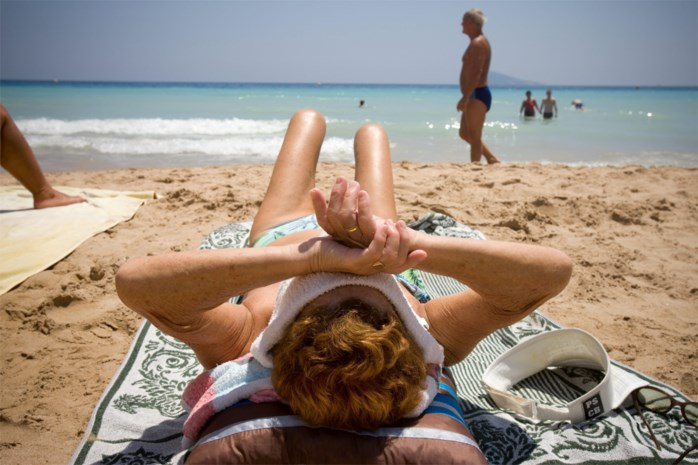 Boeken, schrik krijgen, annuleren, omboeken: reissector kreunt onder massale afzeggingen