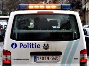 Opgefokte man verwondt drie agenten tijdens arrestatie