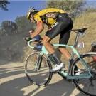 Zaterdag nog op de grindwegen, binnenkort ten huize Van Aert: de fiets waarmee hij op indrukwekkende wijze de Strade Bianche won.