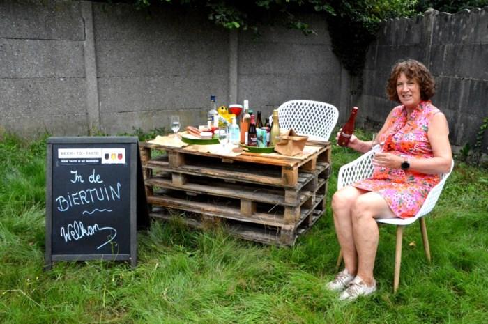 Biersommelier Belinda maakt van tuin zomerbar vol streekbieren