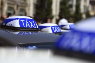 In een taxi stappen in Gent? Mondmasker vanaf nu verplicht op de hele rit