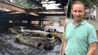 """Eigenaar Marc zag zijn loods vol wagens en materiaal in vlammen opgaan: """"Al een geluk dat het niet oversloeg op ons huis"""""""