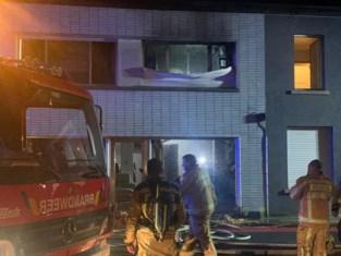 Woning van alleenstaande vrouw met drie kinderen brandt uit na kortsluiting