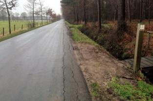 Gemeente herstelt asfaltwegen
