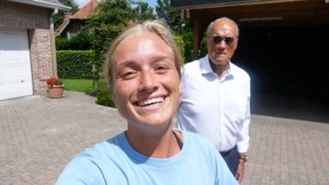 """Julie Vermeire deelt workouttips en papa Jacques moet meedoen: """"Help mij!"""""""
