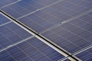 Zelzatenaar investeert zelf in zonnepanelen op alle daken van gemeentegebouwen