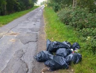 Tiental vuilniszakken gevonden in Groenendijkstraat