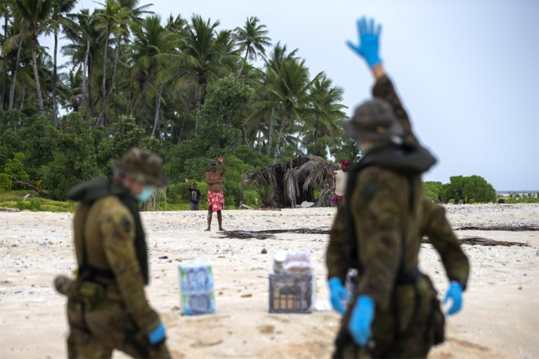 Vermiste matrozen teruggevonden in Micronesië dankzij SOS in het zand
