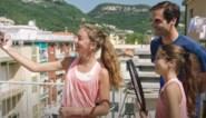 Roger Federer verrast Italiaanse buurmeisjes die viraal gingen tijdens lockdown