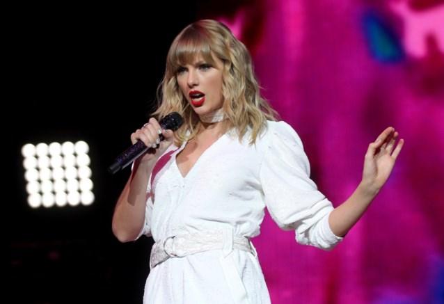 Taylor Swift pakt record van meeste nummers in Amerikaanse hitlijsten