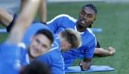 """Gent-aanwinst Jordan Botaka bekomt van zware botsing met Sammy Bossut: """"Ik dacht dat mijn been gebroken is"""""""
