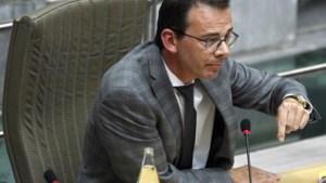 """Wouter Beke bijt van zich af na kritiek op contactopsporing: """"Ik heb de oproepen niet weggehoond, ik ben zelf zes jaar burgemeester geweest en heb best ook wel een burgemeestersreflex"""""""