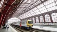 Treinverkeer in Antwerpen-Centraal verstoord door rook aan locomotief
