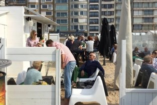 "Bediening aan tafel ""verplicht voor strandbars"", maar daar gaan niet alle burgemeesters mee akkoord"