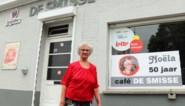 """Noëla (77) staat 50 jaar achter toog, maar stoppen wil ze niet: """"Ik ga door tot ik echt niet meer kan"""""""