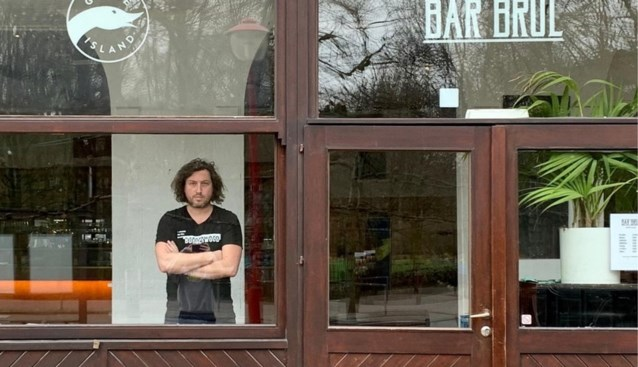 """Populaire bar sluit tijdelijk de deuren: """"Enkelingen verzieken de sfeer voor iedereen"""""""