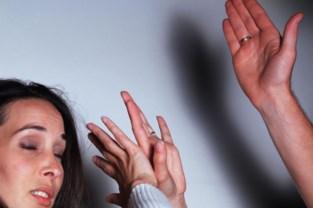 Vijf jaar geëist voor man die ex-vriendin aanvalt met mes