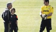 """José Mourinho lijmt brokken met Iker Casillas: """"Een geweldige keeper, een geweldige man"""""""