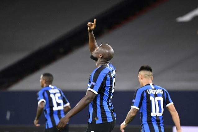 Romelu Lukaku zet Inter op weg naar de kwartfinales met z'n 30ste van het seizoen