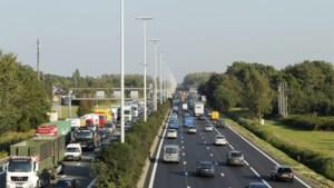 """Lydia Peeters: """"Studies voor bijkomende spitsstroken op snelwegen lopende of gepland"""""""
