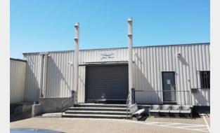 Moskeeën weer gedeeltelijk open