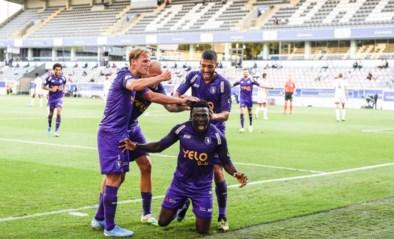 Ben Weyts hakt knoop door: Antwerpse clubs mogen op eigen veld spelen in het openingsweekend