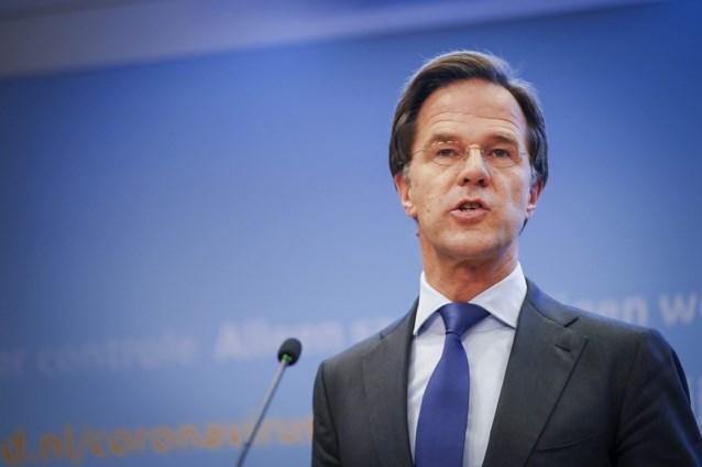 Nieuwe coronamaatregelen in Nederland: gegevens achterlaten op restaurant, studentendopen verboden en scherpere maatregelen voor vakantiegangers