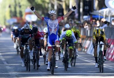 """Wout van Aert (derde) tevreden over sprinttest in Milaan-Turijn: """"Ik weet nu dat ik zaterdag geen schrik moet hebben"""""""