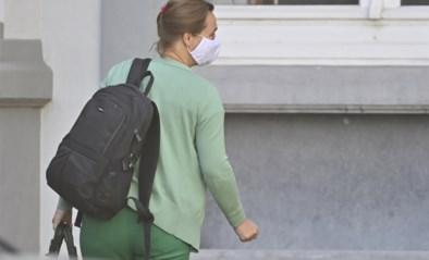 """Kritiek op mondmaskers zwelt aan, virologen blijven achter de regels staan: """"Als je met de auto rijdt, draag je toch ook je gordel?"""""""