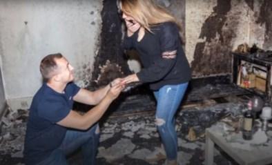 """Huwelijksaanzoek loopt helemaal fout, want na twee weken voorbereiding gaat huis in vlammen op: """"Geweldig om dit later aan onze kinderen te vertellen"""""""