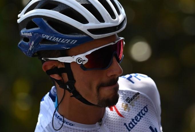 """Julian Alaphilippe over Milaan-Sanremo en de crash van ploegmaat Fabio Jakobsen: """"Fabio vecht voor zijn leven, wij moeten vechten voor Fabio"""""""