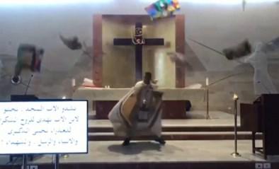 Priester moet rennen voor leven tijdens explosie in Beiroet
