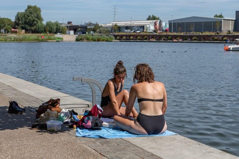 38 graden en geen verkoeling: hitte jaagt Gentenaars de stad uit