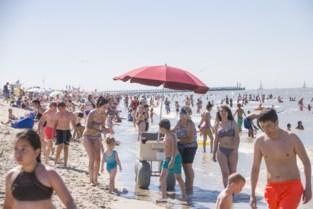 Hoe klaar is de kust voor hittegolf en corona? Wij deden de test van het station tot op het strand