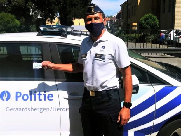 Politie wijst burger met humor op zijn verantwoordelijkheid