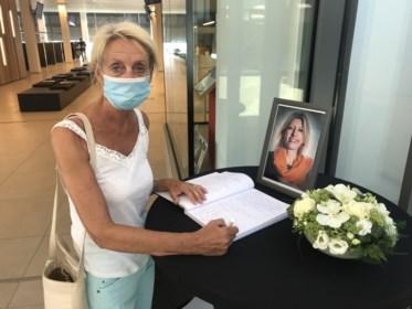 """Al meer dan tweeduizend Aalstenaars tekenen rouwregister Ilse Uyttersprot: """"Ze was goed van inborst, en met haar verveelde je je nooit"""""""