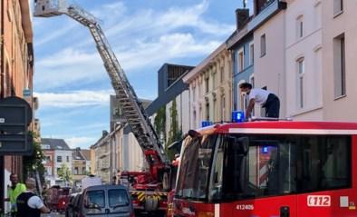 Vrouw (25) die bewusteloos uit brandend huis werd gehaald, aan verwondingen bezweken in het ziekenhuis