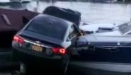 """Vrouw katapulteert auto tot tussen twee boten: """"Het was de schuld van een spin"""""""