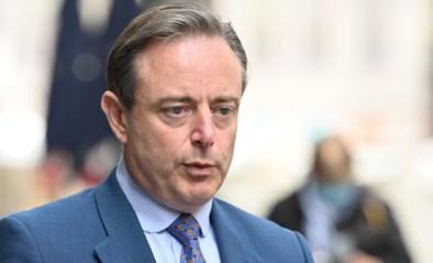 """De Wever gaat in tegen Berx: """"Tijdens hittegolf alleen mondmaskerplicht op drukke plekken"""""""