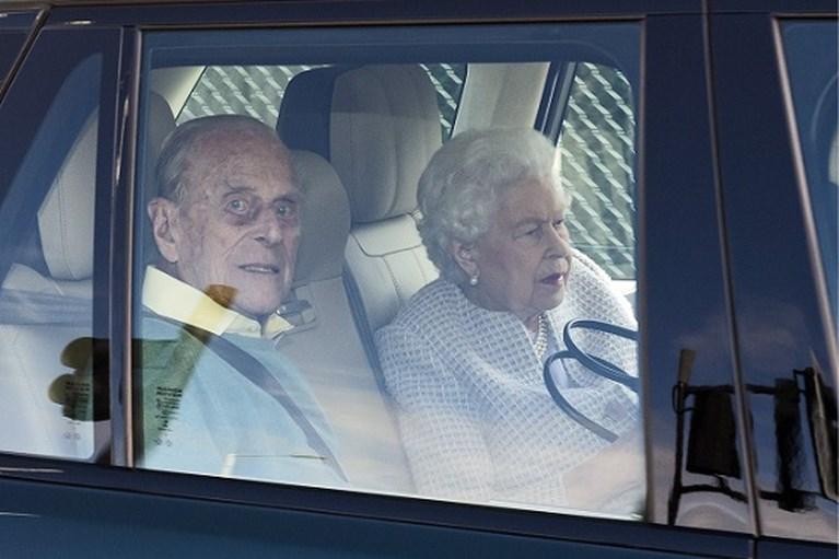 ROYALS. Dit was de openingsdans van Harry en Meghan, nieuwe foto van prins Louis