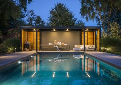 Nu de vraag naar tuinkantoren explodeert: hoeveel kost zo'n comfortabel tuinhuis? En heb je daar een vergunning voor nodig?